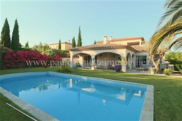 Luxury home in the Golf Saint Thomas, between Pezenas and Beziers