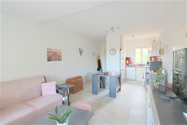 2 bedroom flat with garage and two parkings in the Golf Saint Thomas