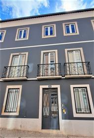 Apartamento com 4 quartos em Lisboa