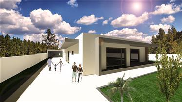 Moradia T4 em fase de construção. Arquitectura moderna