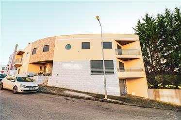 Moradia T3 duplex, excelente localização
