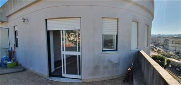 Appartement T1 + 1, situé à proximité des écoles et des commerces
