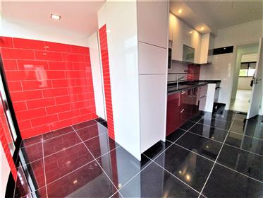 2 bedroom apartment completely refurbished.Zona Central