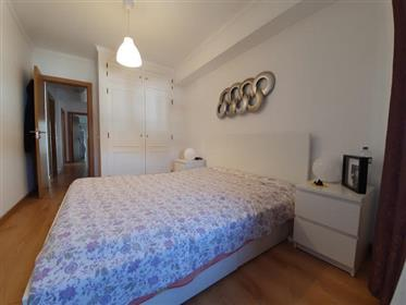 2 bedroom apartment with central terrace 10 minutes from the beaches.
