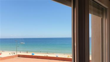 2 bedroom apartment sea view garage 30 meters from the beach.