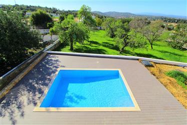 Algarve - Paderne - Moradia Nova para venda, em fase final de construção, com piscina e jardim
