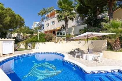 Hermosa propiedad constituida de 4 alojamientos independient...