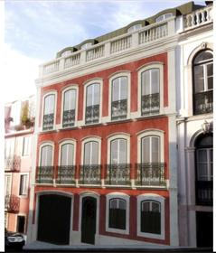 T2 | Apartment for sale with balcony and river view in Lapa | Lisbon