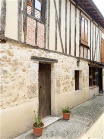 Propriété médiévale avec jardin clos de style riad