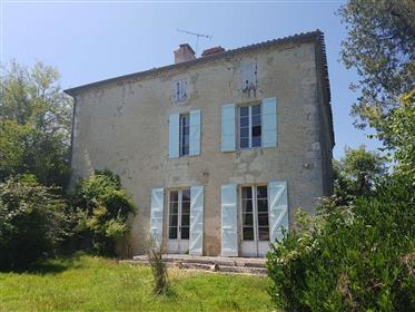 Maison de Maitre with 2 hectares close to Lectoure