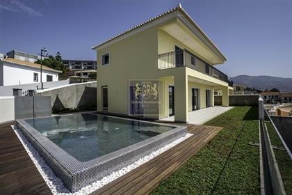 Villa T3, à São Martinho