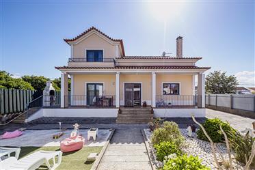 Two-House Villa In Alcochete