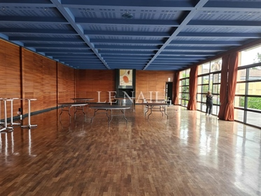 Chateau and its important vineyard in Bordeaux region.