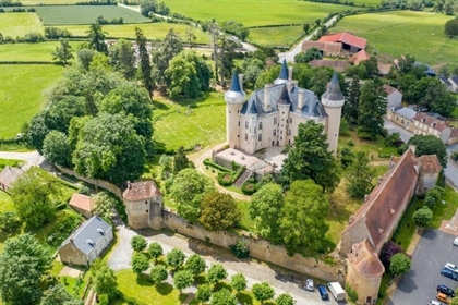 Important french castle for sale in the Indre departement.