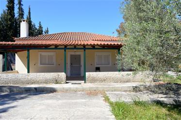 Portocheli, zum Verkauf ein Einfamilienhaus in der Nähe des Meeres