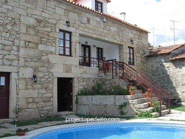 Kleiner Landbesitz 9 Schlafzimmer Verkaufen em Pinheiros e Vale de Figueira,Tabuaço