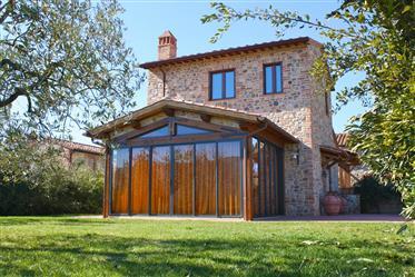 Luxury boutique villa in Umbria for sale – Casa Cerretello. Casa Cerretello is a detached
