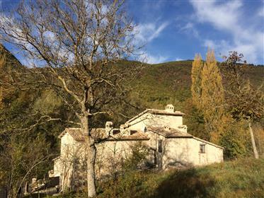 Antico casale in vendita  – Podere Rasiglia