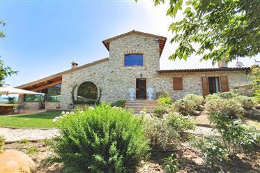 Prestigiosa villa in vendita - La Macchiolina