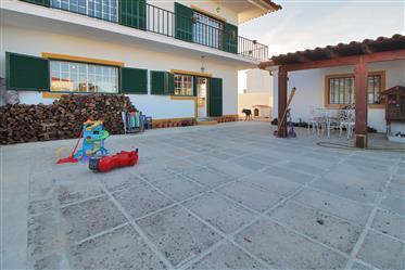 Moradia Com Quintal|Venda|Portugal