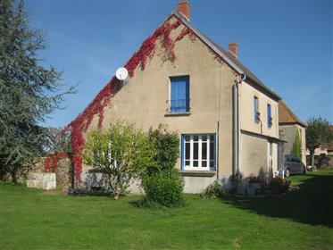 Kuća s 3 Gîtes na prodaju