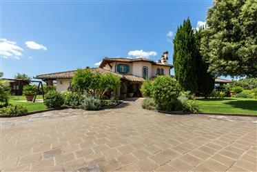 Luxus-Immobilie: 770 m²