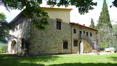 Villa singola in Vendita nelle colline del Chianti  Rufina