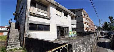 Building to rehabilitate in Custóias