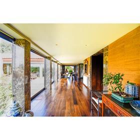Villa de luxe dans la ville de Maia