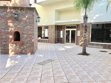 Investment,Shop 60.3m2, walking distance centre, beach Ferragudo