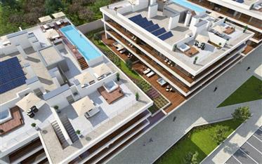 Drie slaapkamer penthouse, zwembad, garage, jacuzzi, uitzich...