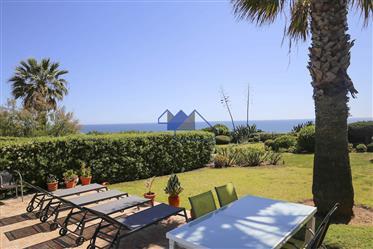 Carvoeiro,Frente à praia, três quartos, villa, piscina privada, jardim, vista para o mar