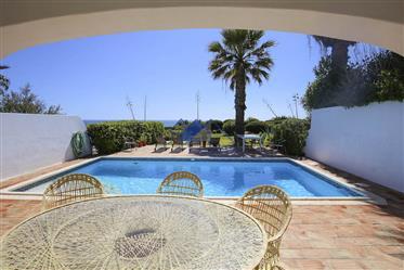 Carvoeiro,Frente à praia, três quartos, villa, piscina priva...