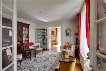 Versailles le Chesnay maison 200 m² plus annexes jardin
