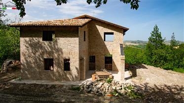 Ciliegi - Nuova casa, da completare secondo i vostri desider...