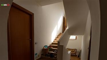 Casa in pietra Sasso di nuova costruzione in una posizione d...