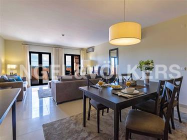 Moderno e Amplo Apartamento no Golfe