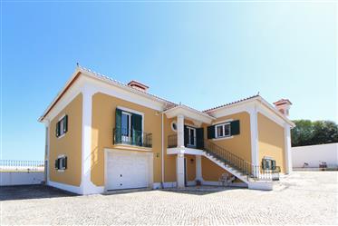 Moradia T4 Isolada com terreno de 11228 m2