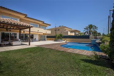 Empuriabrava, Villa met pool en 4 slaapkamers