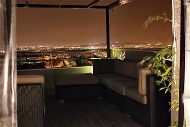 Belo apartamento com terraço grande