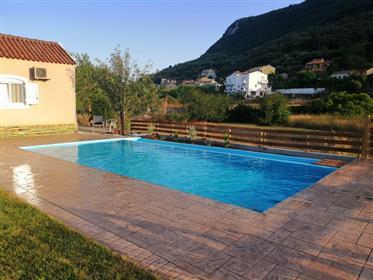 Villa for sale in Vatos village