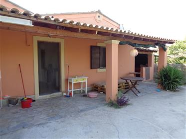 Detached house with garden for sale in Kontokali