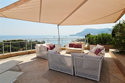 In the heart of Cap Martin, in a luxury residence with swimming pool, caretaker, park and tennis cou