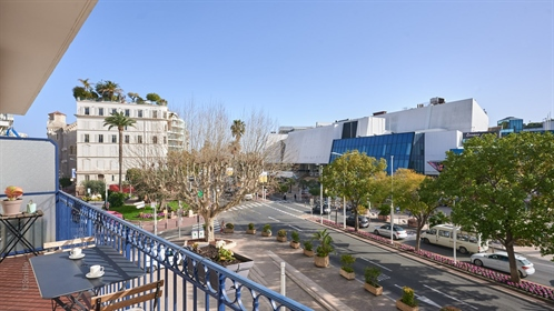 Facing the Palais des Festivals and the Old Port of Cannes, ...