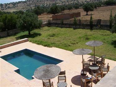 Imóvel com duas casas de pedra Jardim 4984 m²