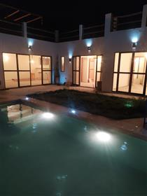 Hermosa villa 102 m2 Jardín 218 m2