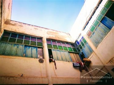 20-02-12-Vr Magnifique Riad à rénover de 127 m²