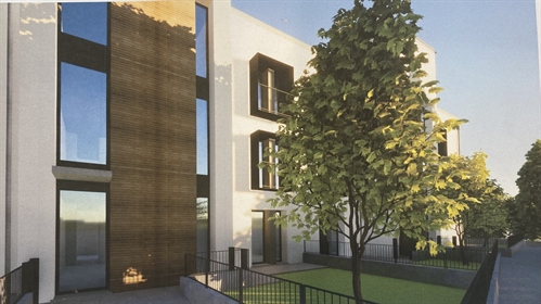 Iseo - Brand New Complex of 24 Modern Apartments - Terraces or Gardens - Lake Views - Completion at