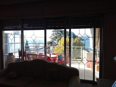 Διαμέρισμα με θέα θάλασσα στο Βόλο