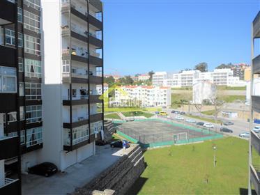 Apartamento T2 em zona residencial